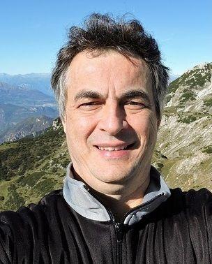 Artyom अंग्रेजी जर्मन इतालवी फ्रेंच रूसी दुभाषिया अनुवादक आईटी, घटना प्रबंधन और तकनीकी क्षेत्रों में अनुभवी अनुवादक - आर्टेम